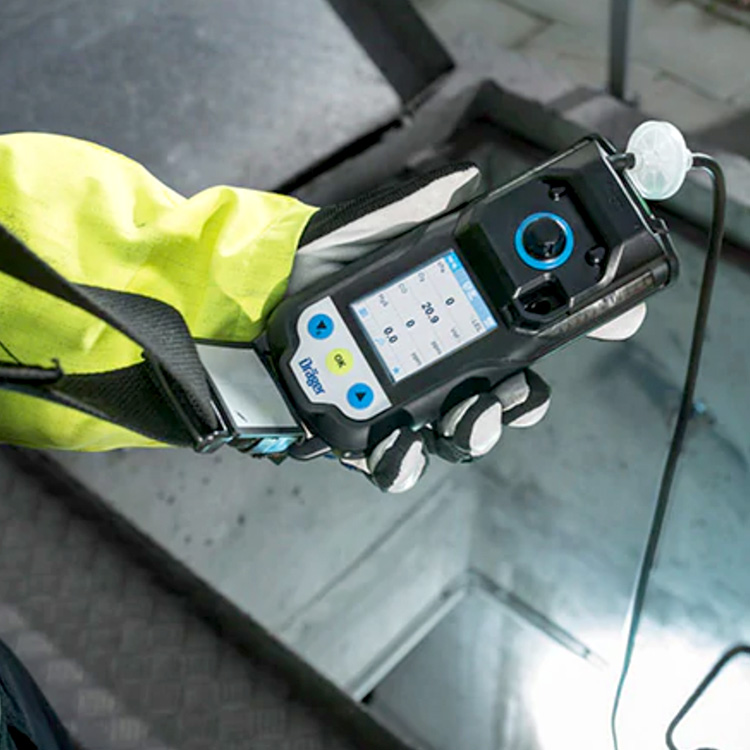 XAM3500_Inuse_SpecialtyGas_Draeger_Safety_ElectrogasMonitors